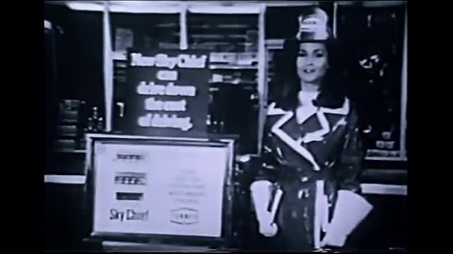 Video poster Commercials: Clothing – Banking - Gasoline