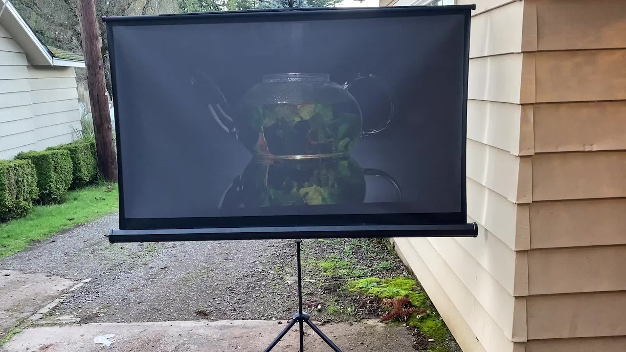 Video poster Ambient-Light Rejecting Projection Screen Paint